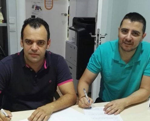 Ballester movilidad firmando el acuerdo con D'Genes